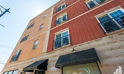 Building, 3225 W Fullerton Ave, 1