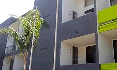 The Carseka Apartments, 2