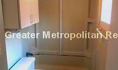 Bathroom, 3 Foster St, 2