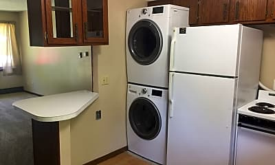 Kitchen, 611 Birch St, 2