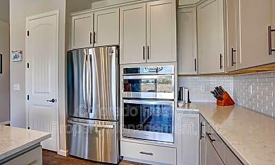 Kitchen, 554 Buckskin Rd, 1