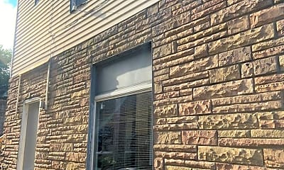 Building, 2200 Milligan Ave, 2