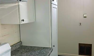 Bathroom, 2212 12th Ave N, 0