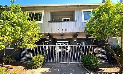 Building, 770 Coleman Ave, 1