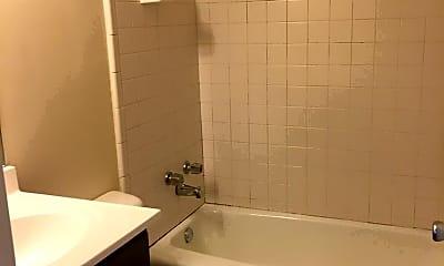Bathroom, 817 W High St, 1