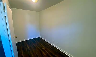 Bedroom, 424 W King St, 2