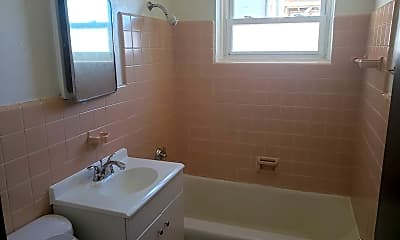Bathroom, 4136 N Green Bay Ave, 1
