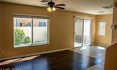 Living Room, 9515 Milkweed Canyon Ave, 1