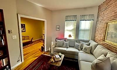 Living Room, 10 Garden Ct St, 2