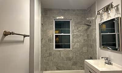 Bathroom, 1535 N Shore Rd, 1
