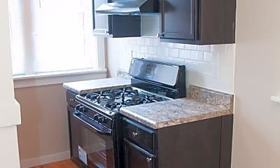 Kitchen, 5001 Lindenwood Ave, 1