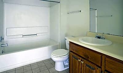 Bathroom, Oak Ridge Apartment, 2