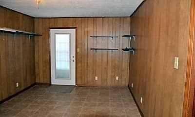 Bedroom, 425 W McNeese St, 2