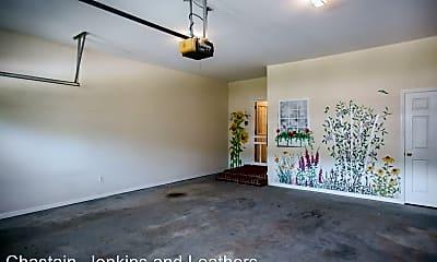 Living Room, 112 Flatrock Ct, 2