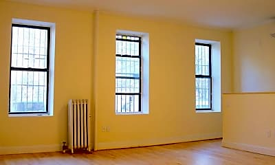 Living Room, 390 2nd St, 0