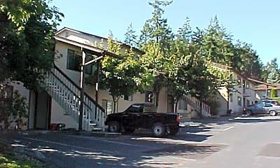 Building, 690 NW Atalanta Way, 0