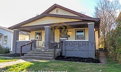 Building, 556 N Gray St, 1