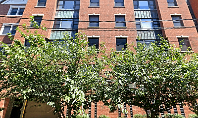 Building, 211 Grand St, 1