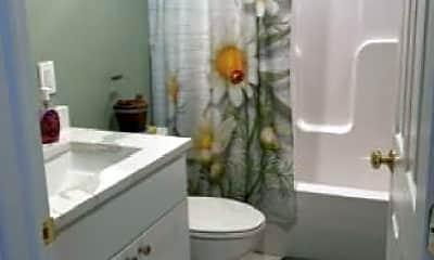 Bathroom, 68 MacKenzie Rd, 2