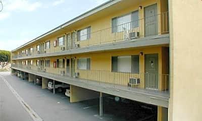 El Adobe Apartments, 0