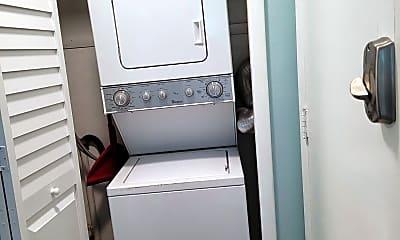 Bathroom, 3150 N Atlantic Ave 19-220, 2