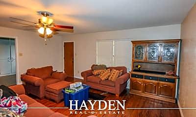 Living Room, 1105 W Lingleville Rd, 1