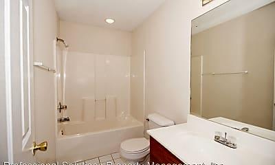 Bathroom, 124 Mallory Ct, 2