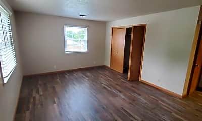 Bedroom, 445 N Madison Ave, 1