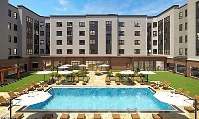 Pool, 10 Green St 213, 1