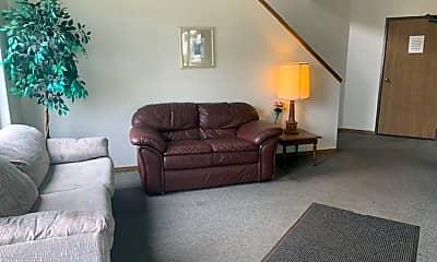 Living Room, 150 Memorial Cir, 1