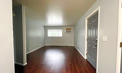 Living Room, 1152 Evans Ave, 0