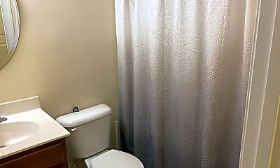 Bathroom, 319 Woodvale Pl, 2
