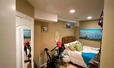 Bedroom, 1038 W Waveland Ave, 2