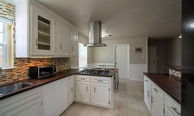 Kitchen, Room for Rent -  a 5- min Drive to William P. Hobb, 0