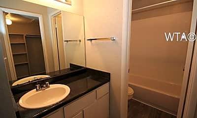 Bathroom, 950 E Bitters Rd, 2