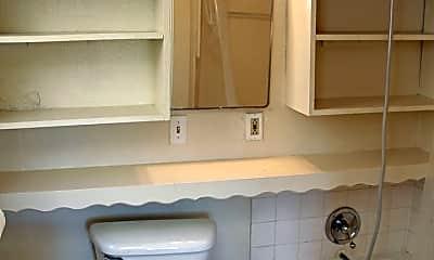 Bathroom, 8204 N Peninsular Ave, 2