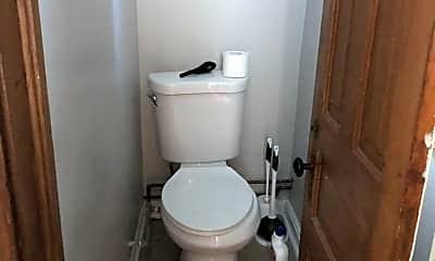 Bathroom, 1811 W Cortland St 1, 2