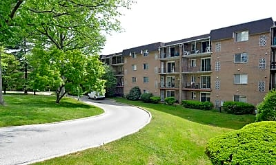 Building, Lindenwood Apartments, 0