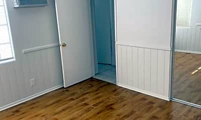 Bathroom, 10102 Forbes Ave, 2