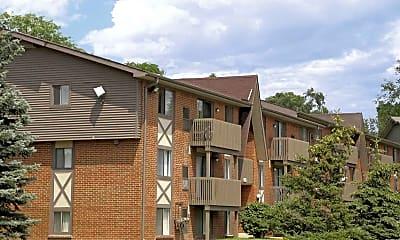 Building, Meadowbrook Village Apartments, 0
