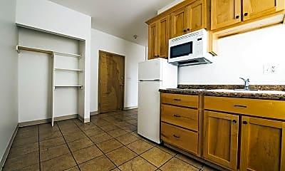 Kitchen, 4114 W Washington Blvd, 1