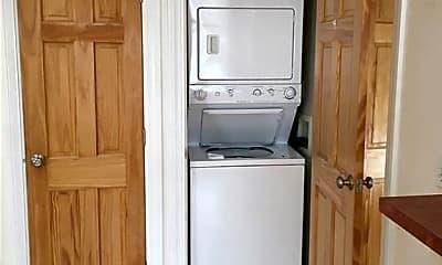 Kitchen, 441 Franklin St 6, 2