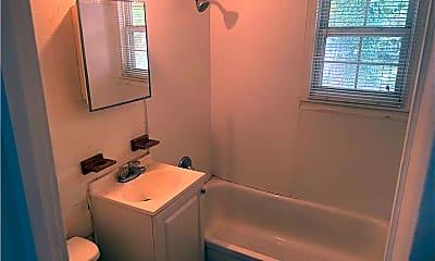 Bathroom, 63 Radford St, 2