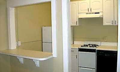 Raymond Apartments, 1