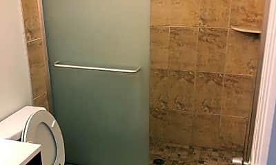 Bathroom, 2009 W Oxford St, 1