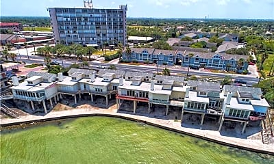 Building, 4454 Ocean Dr, 1