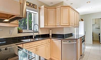 Kitchen, 2632 NE 30th St, 0