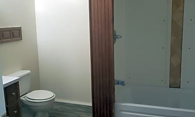 Bathroom, 1002 Pearl St, 2