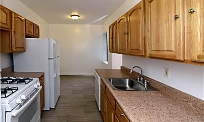 Kitchen, 110 Stonelea Pl 3A, 2