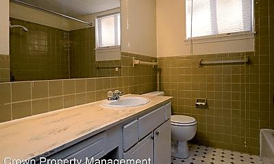 Bathroom, 4621 N 56th St, 1